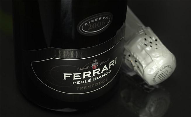 1-Ferrari-Perle-Bianco-Riserva-Trentodoc
