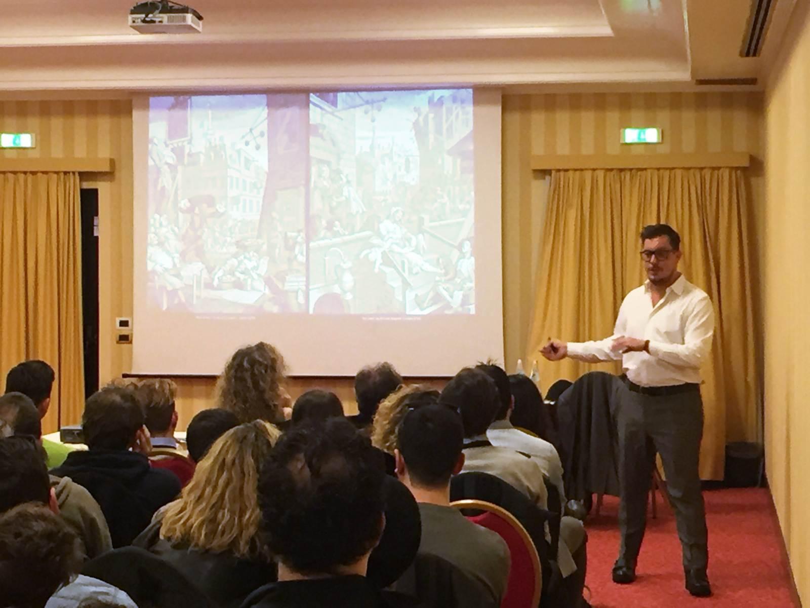 Seminario sulla Gin Therapy al Milano White Spirits Festival tenuto da Enrico Magnani di OnestiGroup
