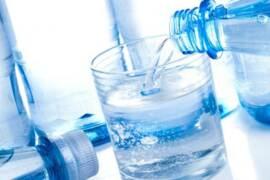 Boom consumi Acqua Minerale