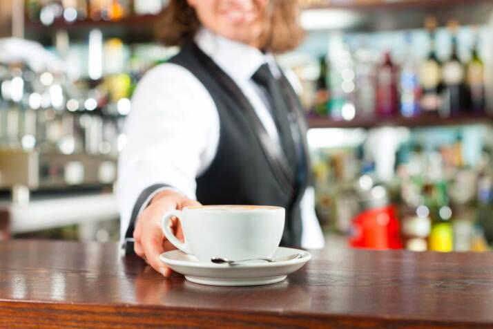 cappuccino-bar-barista