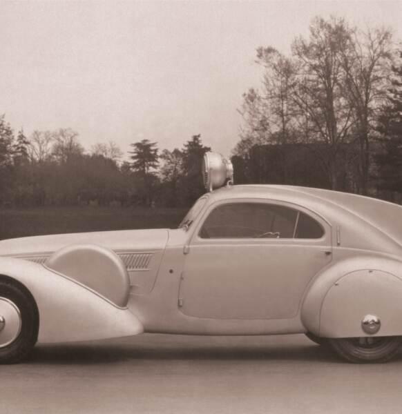 1930s_Giro d'Italia_Auto pubblicitaria China MARTINI
