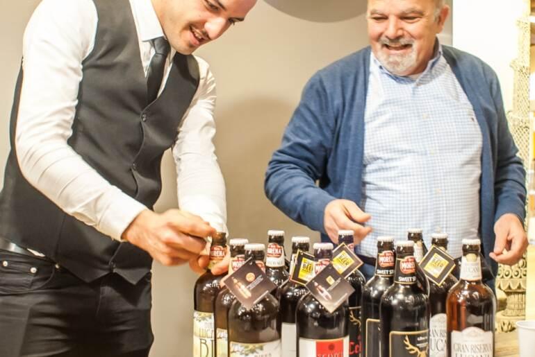 a destra Chef Rossano Boscolo, rettore e fondatore dell'Accademia, con Birra Morena