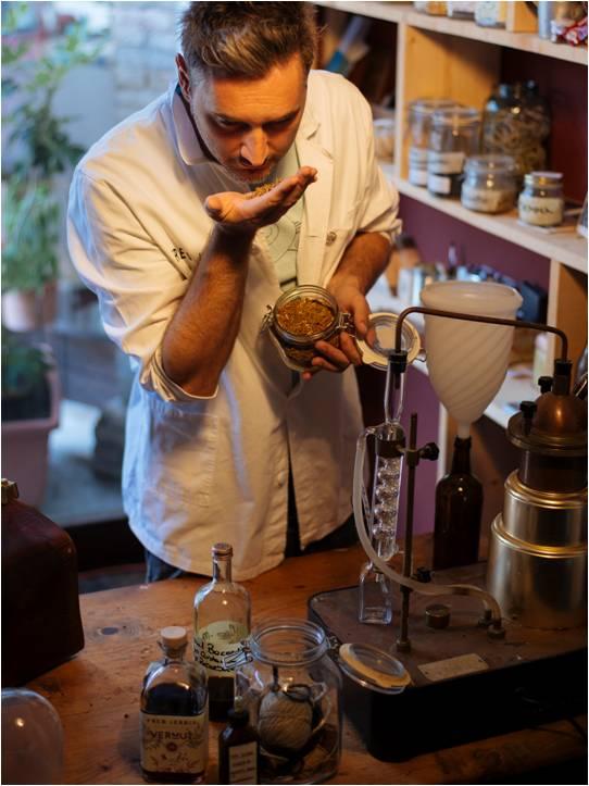 Vermouth Perfezione Negroni Mixology Federico Bicchiere Friuli Venezia Giulia Fred Jerbis Cremasco Bitter Futuro Cocktail Inseguendo Gin Cocktails I Maestri Della Mixology