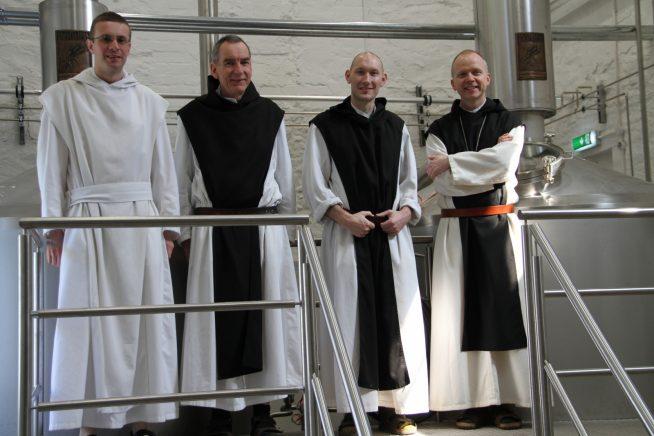 Abbey Saint Bernard monaci impianto produzione della prima birra trappista inglese Tynt Meadow English Trappist Ale