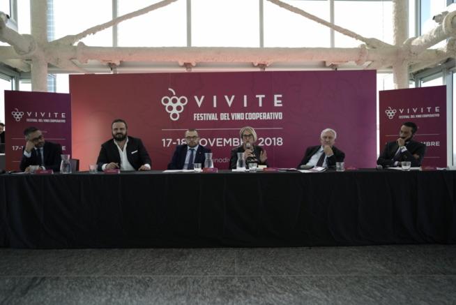 Da sx Denis Pantini, Federico Gordini, Fabio Rolfi, Ruenza Santandrea, Giovanni Luppi e Isidoro Trovato
