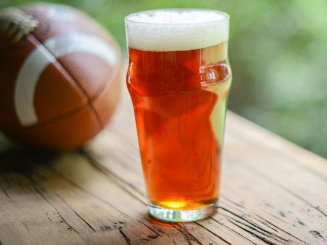 Superbowl Consumi Bevande Usa Mercato Vini Usa Donne Vino Super Pinot Grigio Brunch Birre Usa - Americane Consumi Consumi Usa Bowl