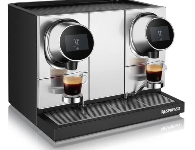 Machine_NewPro_Coffee&Coffee_3Quarts_Left_Tasses_View_Lungo_Lungo