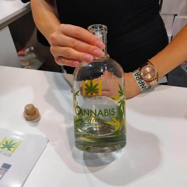 cannabis-gin-hamp-herb