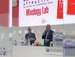 Davide Gregorini, Direttore Commerciale Fonte Plose, sul palco di Mixology Lab presenta Alpex