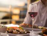 Si riparte con il coprifuoco alle 22, le riaperture nell'horeca valgono 2,5 mld per il vino italiano