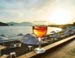 Ferragosto al naturale: 15 etichette di vino artigianale dalla beva compulsiva