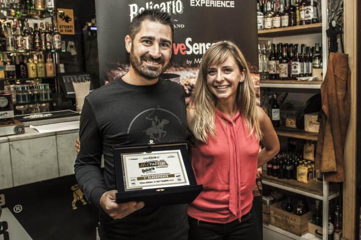 Mariano Mineri e Alison Jagielski durante la premiazione di MixFactor Relicario Experience