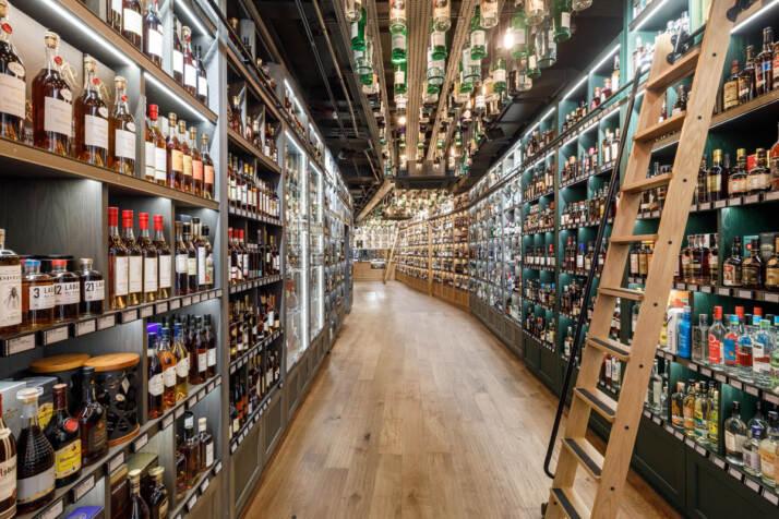 Interno del negozio The Whisky Exchange London Bridge - Photo thewhiskyexchange.com