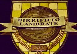 Birra cruda, performance artistiche e dj set per festeggiare un anno di vita del nuovo pub del Birrificio Lambrate
