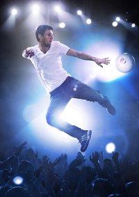 """Parte la nuova campagna internazionale 2012 di Pepsi """"kick in the mix"""" con le star del calcio"""