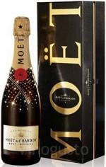 Il gruppo Moët Hennessy Louis Vuitton chiude il 2012 in crescita a € 28,1 miliardi di fatturato, di cui 4,1 di vini e spiriti